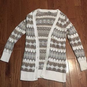 Cozy long-sleeved knit cardigan